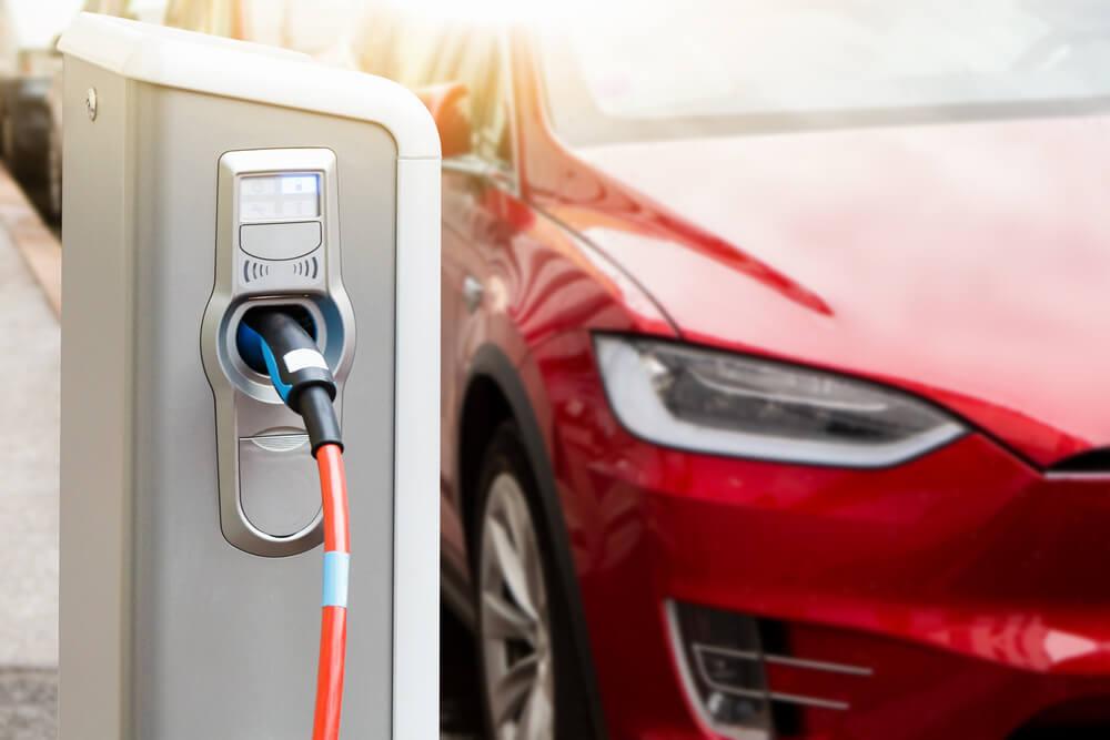 干净能源时代来临,电动车将取代传统燃油车